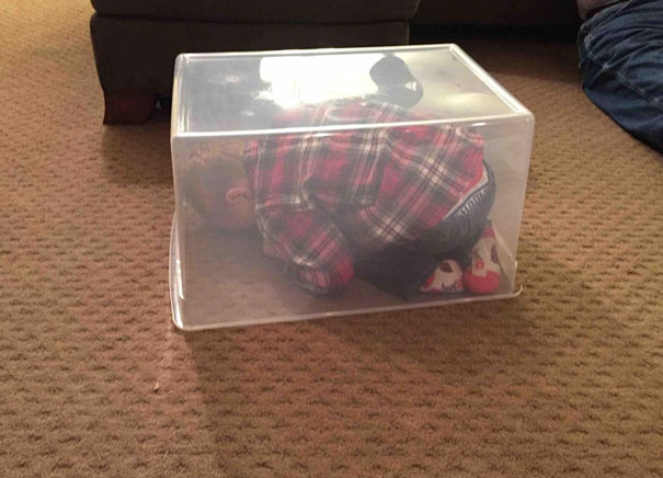 funny-kids-playing-hide-and-seek-461__605