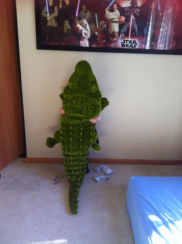 funny-kids-playing-hide-and-seek-49__605